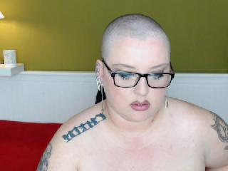 Cam to cam with mature Chani wants online quality time