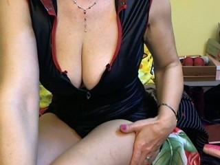 Sex chat with mature lovemetenderu needs kik quality time