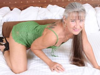 Messenger chat with mature Leilani_Lei wants DP have fun
