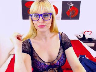 Singles chat with mature Melania_Blonde longs for sype have fun time