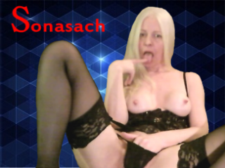 Cam2cam with mature Sonasach expects naked play time