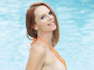 Sex chat with mature FreckledApril expects naughty fun
